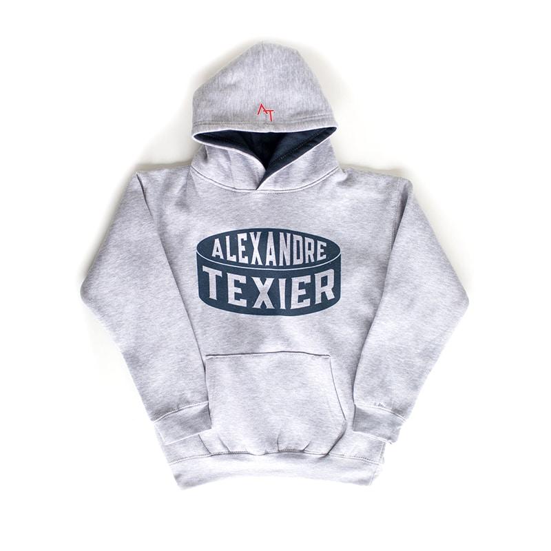 Sweatshirt gris avec imprimé d'un palet de hockey signé Alexandre Texier