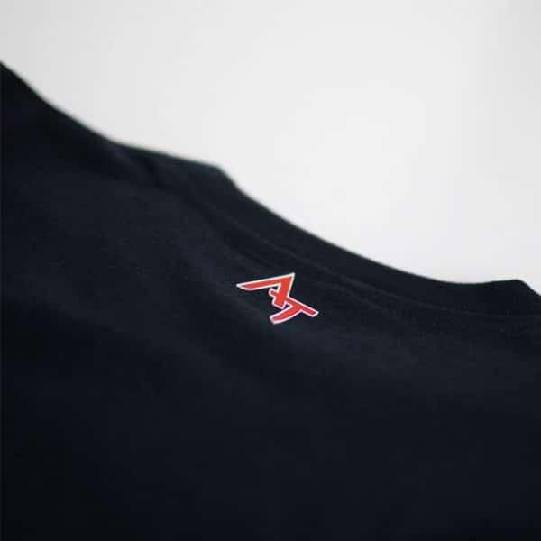 Logo Alexandre Texier sur arrière col de t-shirt noir