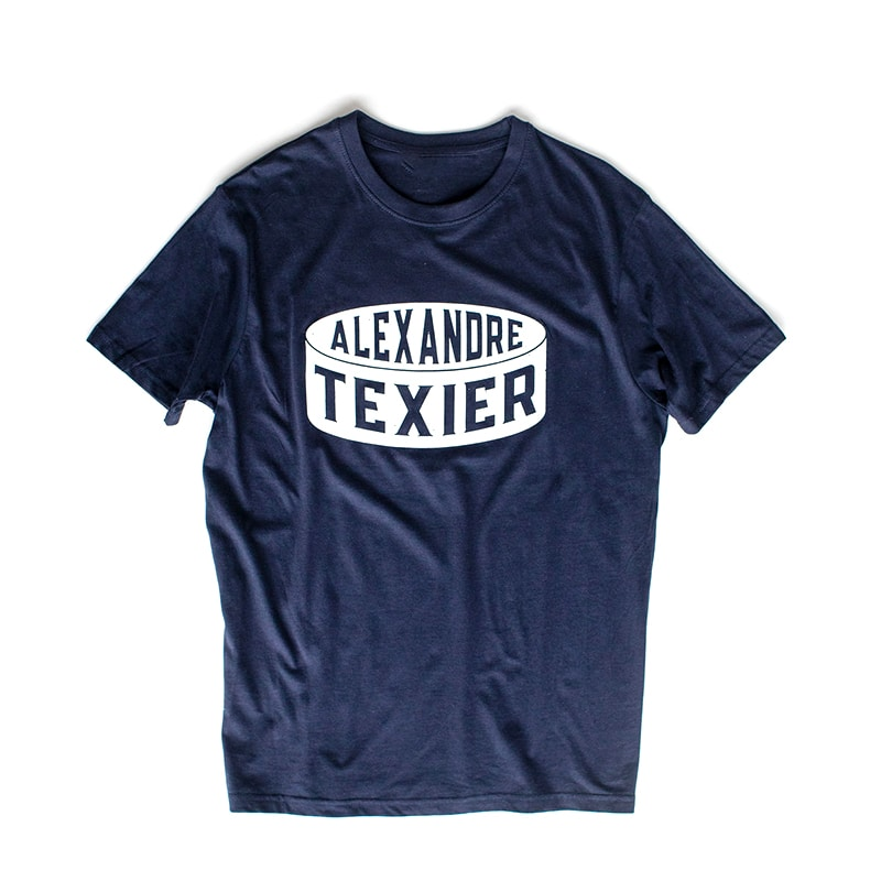 T-shirt bleu navy avec imprimé de palet de hockey signé Alexandre Texier